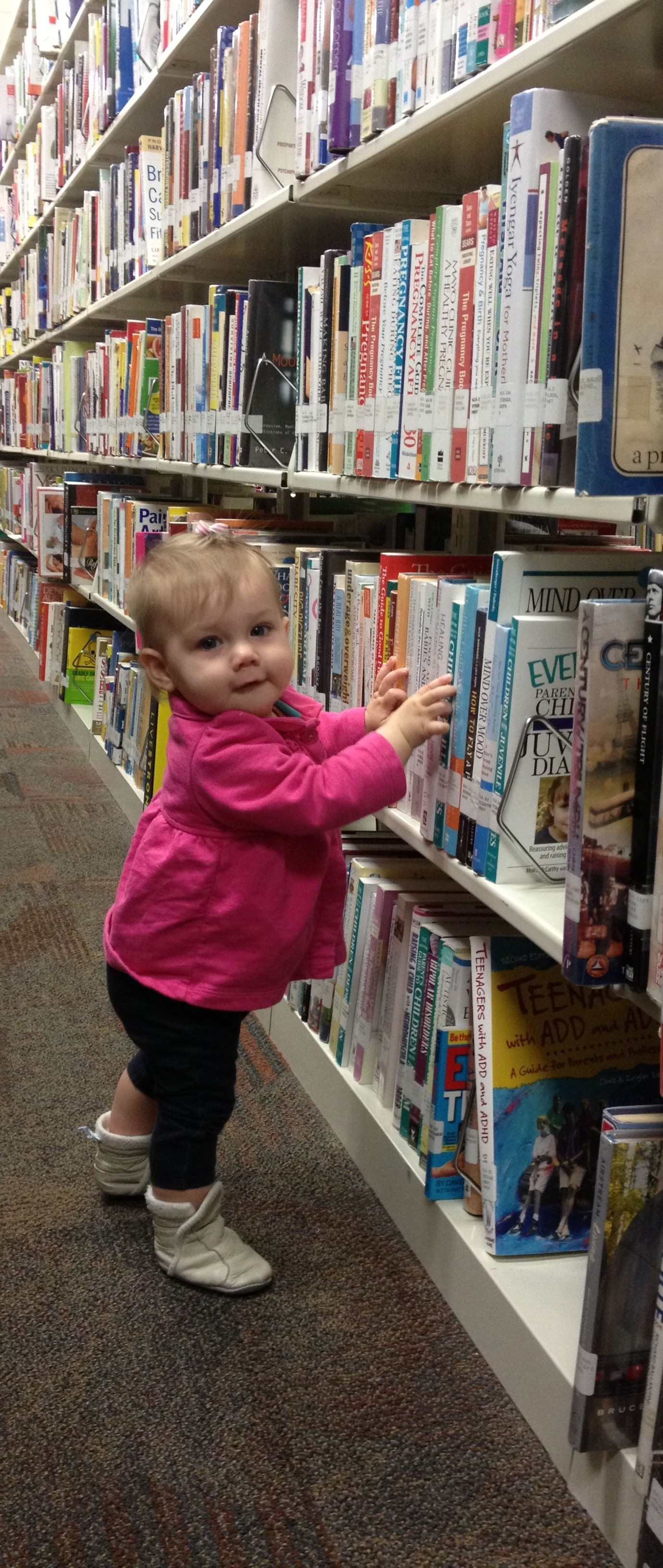 Good Sign: Elanor likes books